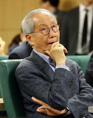 윤여준 전 환경부 장관