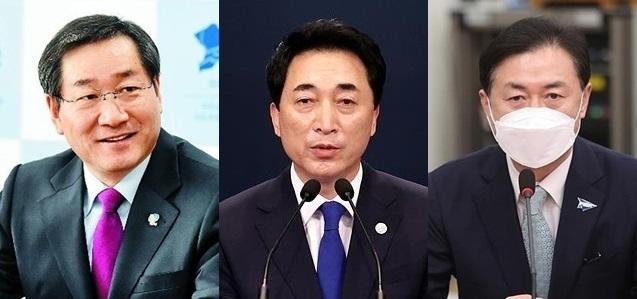 (사진 왼쪽부터)유정복 전 인천시장, 박수현 청와대 국민소통수석, 김영춘 전 해양수산부 장관 ⓒ인천시