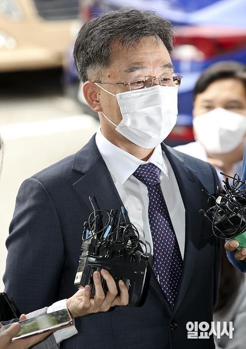 경찰 조사를 위해 소환되고 있는 김만배 화천대유자산관리 대주주 ⓒ고성준 기자